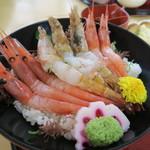 鳥取砂丘にいちばん近いドライブインレストラン砂丘会館 - 幻のもさえび&甘えび丼1,400円也