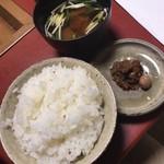 91880930 - ご飯、味噌汁、お漬物