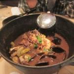 路地裏のShiki - 魚介を使ったブイヤベース、こちらは煮込んで濃厚なスープにに仕上がってました。