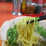 もっこす - 中華そば、この極細麺がええんです!