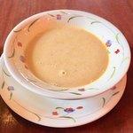 ハングリータイガー - 蒸し鶏の温かいスープ