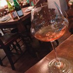 喃喃 - グラスワイン ¥800(オレンジ)