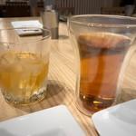 創作串揚げ つだ - 梅酒ロックとお茶