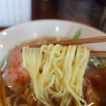 らーめん 四恩 - 麺リフト~