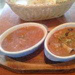 9189639 - カレー二種類キーマカリー辛口と日替りカリー中辛(茄子とチキン)。