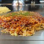 Okonomiyakinagataya - 肉玉(そば)/イカ天