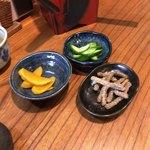 91894815 - サービスのお新香と蕎麦かりんとう