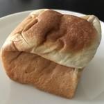 ポワンタージュ - 大人のコーヒークリームパン250円