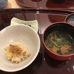 もてなし つつ井 - サツマイモご飯と味噌汁