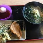讃岐うどん 源八 - 料理写真: