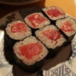 廻鮮寿司 塩釜港 - 鉄火巻き:250円