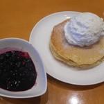 BARISTA CAFEE - 料理写真:ブルーベリーパンケーキ