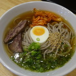 六盛 - 冷麺750円