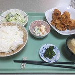 せんちゃん - 料理写真:唐揚げ定食650円