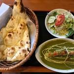 天竺薬膳 北印度料理 みらん - プラウンパラック+プレーンナン