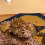 カラピンチャ - スリランカ赤米とカリー