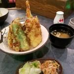 天ぷら家 てんてん - 料理写真:天丼 853円