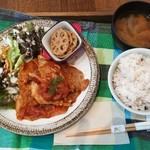Yummy Mammy - ポークチャップ定食(500円)