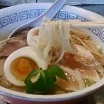 温鶏 - 特製鶏塩の麺