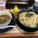 91931546 - つけ麺 特盛(2玉)900円(税込)