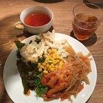 近江牛Steak&Wine モダンミール 草津店 - スープバーとサラダバー
