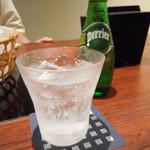 91946540 - 乾杯ドリンクはペリエで