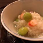 寺沢 - 料理写真:車海老と藤九郎銀杏の飯蒸し