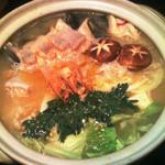 彩食健美 くり田 - 特別に用意してもらった辛系鍋です。