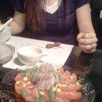 彩食健美 くり田 - ちなみに料理の向こうに見えるのは、同僚のY本です。