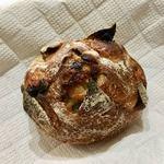 パンやきどころ RIKI - 鳴門金時とポム・レザン ブラッドオレンジの香りで ¥250+税