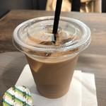 ベーカリー&カフェ カスカード - アイスロイヤルミルクティー