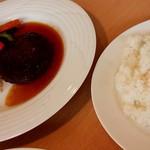 91953943 - ハンバーグ(スープ付ライスorパン) 1,300円
