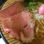 仮麺中 ぬちぐすい - 叉焼はレア