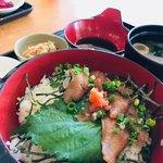 花 - 料理写真:のどぐろ丼みそ汁付き¥900