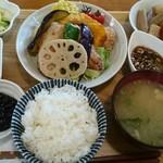 きっちんCAFE PROM610 - ホッケの唐揚げネギソース彩り野菜添え