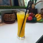 Cafe del Ibiza - 南国風な「マンゴージュース」