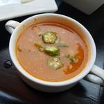 Cafe del Ibiza - ッテリとしたミネストローネみたいなスープ