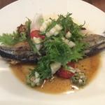 島之内フジマル醸造所 - 北海道産秋刀魚とオクラのロースト アンチョビバターレモンソース