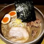 麺屋 音 - 特製煮干しそば(しょう油):990円