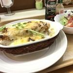 おおくま - 料理写真:エビドリア  エビフライ、サラダ付 1200円