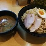 龍の神 - つけ麺680円