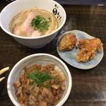 麺や ひなた - ひなたセット(から揚げ2個、限定丼)  450円 ※限定丼は柚子こしょう&ぽんず炒めのチャーシュー丼