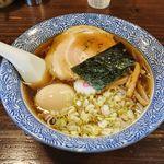 ○決 - 料理写真:〇決(中華そば・並 500円 + たまご100円)