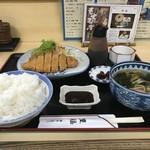 豊福 - とんかつ定食、ご飯大盛りで750円です(2018.9.2)