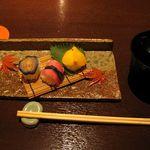 みます屋 DELI - 締めは京漬物の握りずし 赤出汁が美味しかったです
