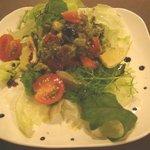カフェ エチカ - 三崎鮪とアボカドのサラダ