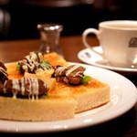珈琲店トップ - 広島県産の牡蠣を使ったトップの名物。