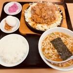 大盛軒 - ビーフ鉄板麺(950円)