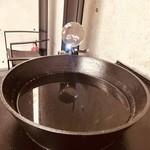 92008879 - 小さな映像で遊ぶ聖水盤