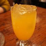 バンタイ - マンゴージュース(400円)。果汁10%くらいかな?